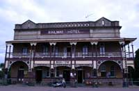 railway hotel in ravenswood